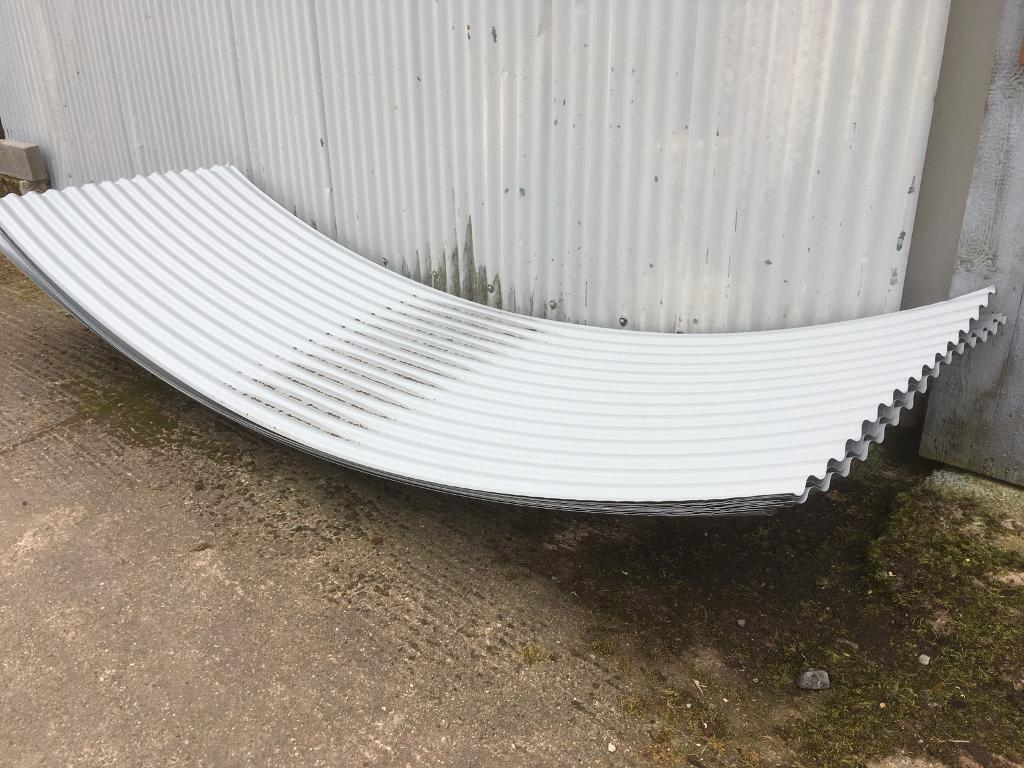 Curved Corrugated Roof Sheets For Shepherds Hut In