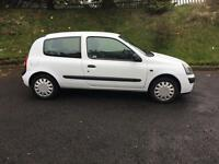Renault Clio 1.1 MOT 1 year low miles STUNNING WEE CAR