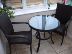Bistro table & 2 matching chairs