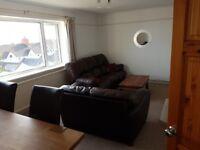 2 bedroom furnished flat in uplands.