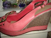 Coral Wedges by Moda in Pelle New size 6