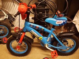2 x Thomas & Friends bikes with stabilisers