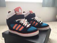 Adidas hi top size 6