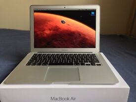 "Macbook Air 13"" Core i7 2.2GHz"