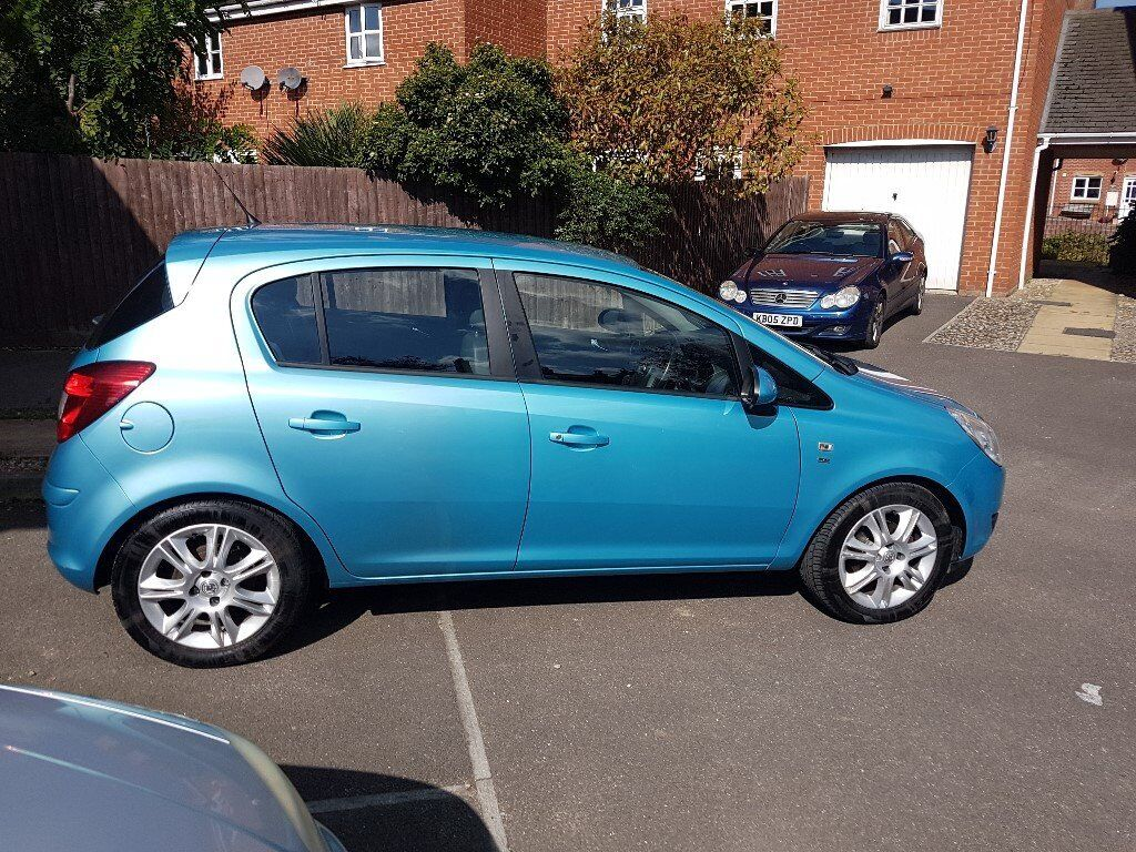 vauxhall corsa se 1.4, immaculate condition, 23500 miles, like new
