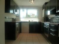 Lovely 3 Bed, 2 Bath Flat Perfect For Sharers Mins Clapham Junction Station Available Now