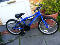 """BOYS 20"""" WHEEL BIKE IN GREAT WORKING ORDER HARDLY USED AGE 7+"""