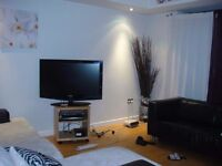 Stunning Two Double Bed Apartment with a En-suite and a Large Open plan Kitchen Reception
