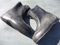 HUGE RUBBER ZIP UP OVER BOOTS - IDEAL WATERSPORTS LAUNCHING BOATS FISHING BOATING