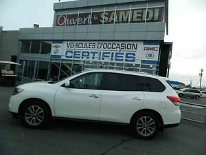 2015 Nissan Pathfinder S 4WD 4X4 + 7 PASSAGERS
