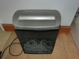 Cross cut paper shredder machine for £10