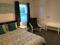 Fantastic En-suite room, close to town.