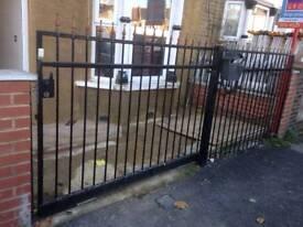 Sliding metal gate