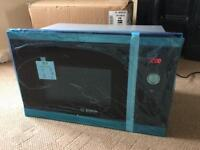 Bosch HMT84M654B Integrated Microwave Oven