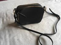 Men's black leather shoulder bag ex condition £5