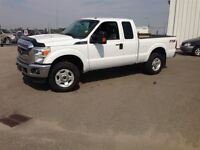 2012 Ford F-250 XLT  4x4- Loaded!!