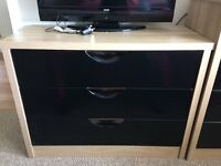Black lacquer chest of drawers