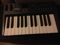 M-AUDIO OXYGEN 25 3RD GENERATION USB MIDI CONTROLLER KEYBOARD GOOD WORKING ORDER GREAT PRICE