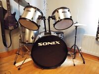 5 Piece adult SONIX DRUM KIT - Barely used *great condition