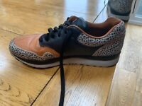 Nike Air safari (Tan black Charcoal) size 6
