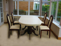 BEAUTIFUL REFURBISHED DINING TABLE & 4 CHAIRS (CAN DELIVER)
