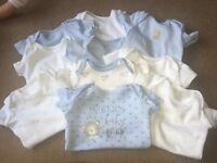10 Baby vests up to 9lb