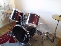 Drum kit 7 piece ( with spare bass peddle)