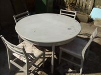 Free Extendable Table & chairs