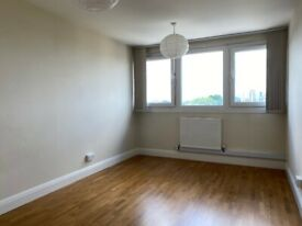 Great condition large 3 bedroom Flat in Bow, E3