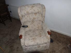 Celebrity 'Westbury' Low Seat Motorised Recliner Chair