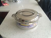Stainless steal casserole dish with locking lid