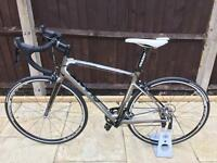 GIANT DEFY COMPOSITE 2 FULL CARBON ROAD BIKE **AS NEW**