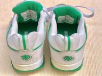 +++ white HEELYS +++ size UK 2 +++ kids unisex skate shoes +. one wheel