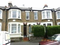 ***3 Bedroom Flat - with garden for £1450 PCM***