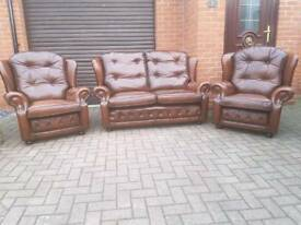 Chesterfield style genuine leather 3 piece suite. EXCELLENT CONDITION!BARGAIN!