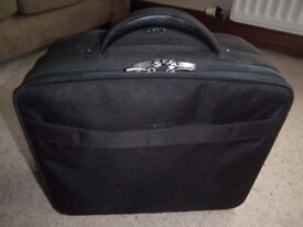 Dicota 'Multitwin' Laptop and Printer carrying bag - New