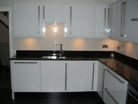 WHITE HIGH GLOSS COMPLETE FITTED KITCHEN