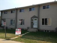 3 BEDROOM 1.5 BATH TOWNHOUSE! PRICE JUST REDUCED!