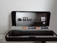Mini Maglite torch boxed gift set with Duracell batteries included. Brand new.