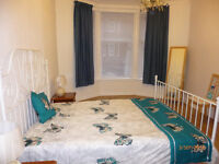 *FRESHLY DECORATED FURNISHED 1 BEDROOM GROUND FLAT*