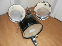 22inch Bass drum with two mounted toms – Price Reduced!!