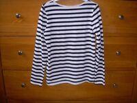 H&M Girls long sleeve Black & White top Age 7-8 years 122-128cm