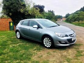 VAUXHALL ASTRA 1.6 ELITE AUTOMATIC, Stunning Example, Looks and drives superb (silver) 2013