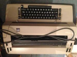 IBM selectra typewriter with 3 heads, ribbons and correctotype