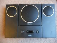 ( 2 docks) Gear4 street party 4 + Logic3 MIP022K i-Station22 -iPod 32 pin Speaker Dock with remote