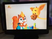 TV LCD 22 inch TECHNIKA DVB Freeview TV and DVD