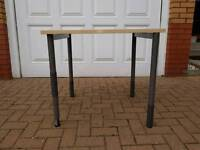 22 x Tables With adjustable Legs