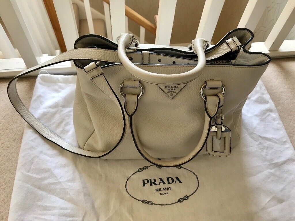 Beautiful Prada Handbag  165712f54f933