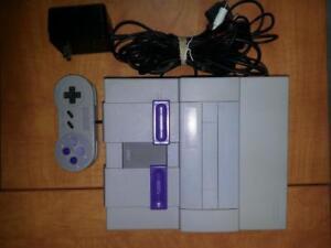 Console Super Nintendo avec une manette et les fils! Garantie de 30 jours! SNES