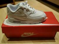 Bnib unisex boys/girls Nike air max 90 white size uk 9.5